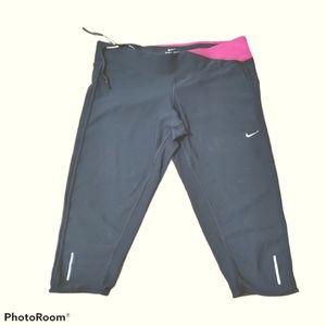 Sz L Nike Athletic Capris